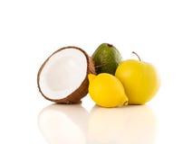 Frutas frescas tropicales sanas en el fondo blanco Foto de archivo libre de regalías