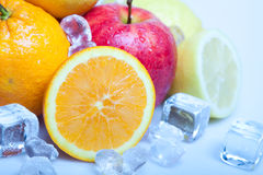 Frutas geladas imagens de stock