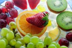 Frutas jugosas en el hielo Fotografía de archivo libre de regalías