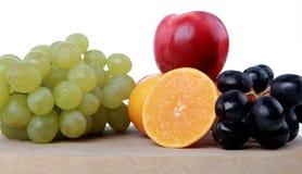Frutas na placa de desbastamento 2 Fotografia de Stock Royalty Free