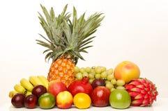 Frutas no branco Fotos de Stock