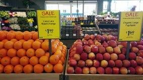 Frutas orgánicas en el mercado de Whole Foods
