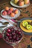 Frutas orgânicas frescas Imagem de Stock Royalty Free