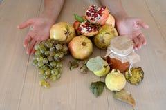 Frutas orgánicas del otoño Foto de archivo libre de regalías