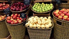Frutas para la venta imagenes de archivo