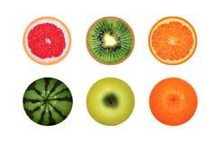 Frutas redondas jugosas aisladas en un fondo blanco, pomelo, sandía, kiwi, naranja de la manzana foto de archivo