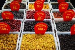 Frutas secadas Albaricoque, ciruelo, tomate, cereza, pasa, nectarina Fotos de archivo libres de regalías