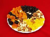 Frutas secadas con las nueces fotos de archivo libres de regalías