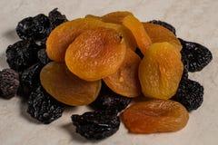 Frutas secadas en la tabla imagen de archivo libre de regalías