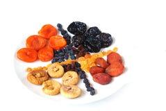 Frutas secadas. Isolado no fundo branco Imagem de Stock