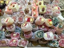 Frutas secadas y nueces traídas de Asia y vendidas en Europa imágenes de archivo libres de regalías