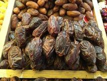 Frutas secadas y nueces traídas de Asia y vendidas en Europa fotografía de archivo libre de regalías