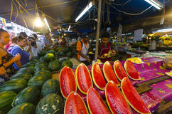 Frutas tropicales en paquetes Fotografía de archivo