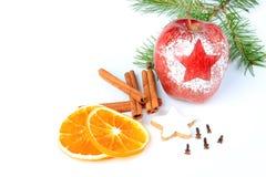 Frutas y especias de la Navidad Imágenes de archivo libres de regalías