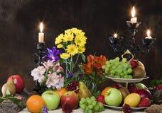 Frutas y flores fotografía de archivo
