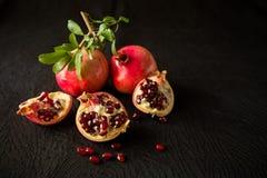 Frutas y semillas de la granada Imagen de archivo