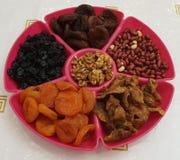 Frutas y tuercas secadas foto de archivo libre de regalías