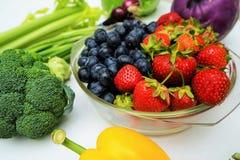 Frutas y verduras orgánicas sanas Foto de archivo