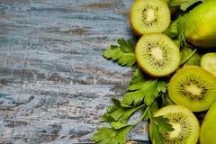 frutas y verduras verdes frescas Imagen de archivo libre de regalías
