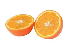 Fruto alaranjado maduro cortado no branco. Fotografia de Stock