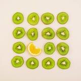 Fruto cortado Figura geométrica dos frutos Vista superior Imagens de Stock