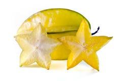 Fruto da maçã de estrela com o parcialmente de seção transversal no branco Imagem de Stock