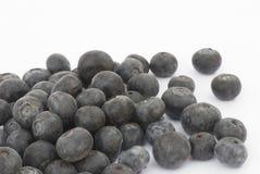 Fruto da uva-do-monte em um fundo branco Fotos de Stock