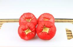 Fruto das maçãs da água isolado no branco fotografia de stock royalty free