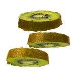 Fruto de quivi fresco cortado isolado Imagens de Stock