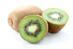 Fruto de quivi isolado no fundo branco, macro Imagens de Stock