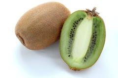Fruto de quivi isolado no fundo branco, macro Foto de Stock Royalty Free