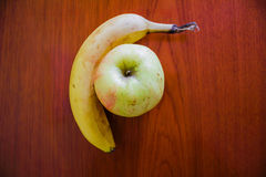Fruto delicioso na tabela Imagens de Stock