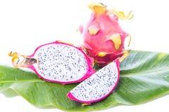 Fruto do dragão na folha da banana Imagem de Stock Royalty Free