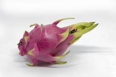 Fruto do dragão no fundo branco com trajeto de grampeamento Imagens de Stock Royalty Free