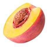 Fruto do pêssego cortado isolado no fundo branco Fotos de Stock Royalty Free