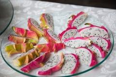 Fruto do vermelho de Pitahaya Fotos de Stock Royalty Free