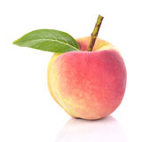 Fruto fresco dos pêssegos no fundo branco Fotografia de Stock