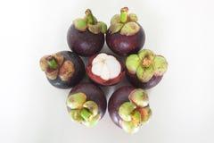 Fruto fresco, mangustão no fundo branco Fotos de Stock