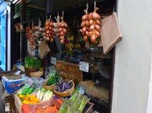 Fruto & loja exterior vegetal do mercado fotografia de stock royalty free