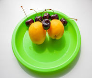Fruto saboroso em uma placa Fotos de Stock