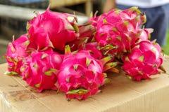 Fruto tropical Pitaya& x28; Dragon Fruit vermelho & x29; fotografia de stock royalty free