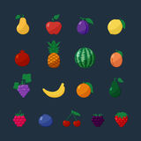 Frutos e bagas dos ícones do vetor no grupo liso do estilo Foto de Stock