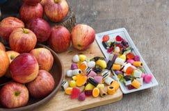 Frutos e maçãs da geleia Imagem de Stock