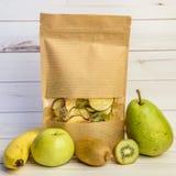 Frutos frescos e desidratados Fotografia de Stock