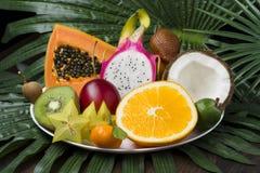 Frutos frescos tropicais imagem de stock