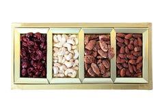 Frutos secos e caixa de presente das porcas Fotos de Stock