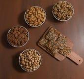 Frutos secos sanos fotografía de archivo libre de regalías
