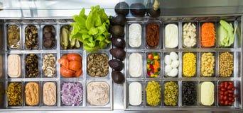 Frutos sortidos e vegtables para fazer saladas Imagens de Stock Royalty Free