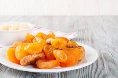 Fruts secados em uma placa Fotografia de Stock