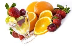 Frutta Assorted con la diagonale di vetro del parfait Fotografia Stock
